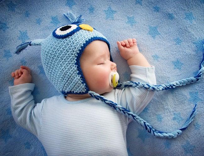 Bebekler Günde Kaç Saat Uyumalı?